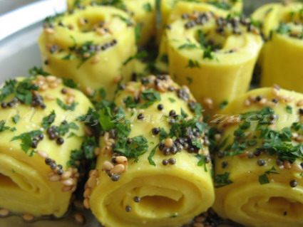 Khandvi - Gujarati Recipe